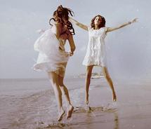 Dancing-c45a6197d2b1e9246f97b2ae23759ac3_m
