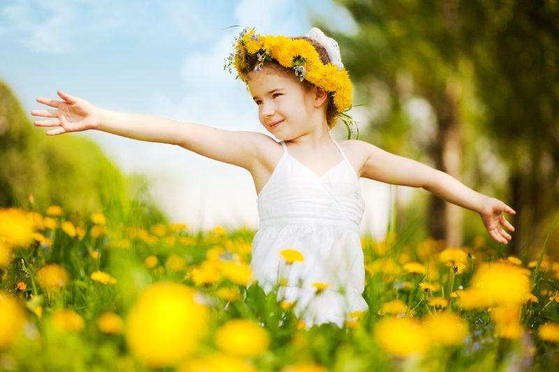 Girl-in-yellow-field